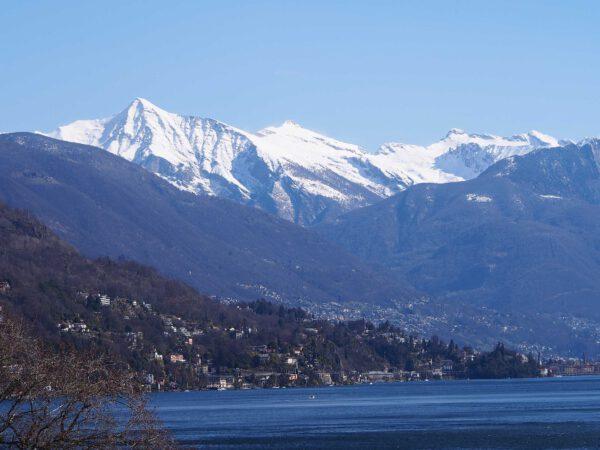 Blick auf die Berge im Winter