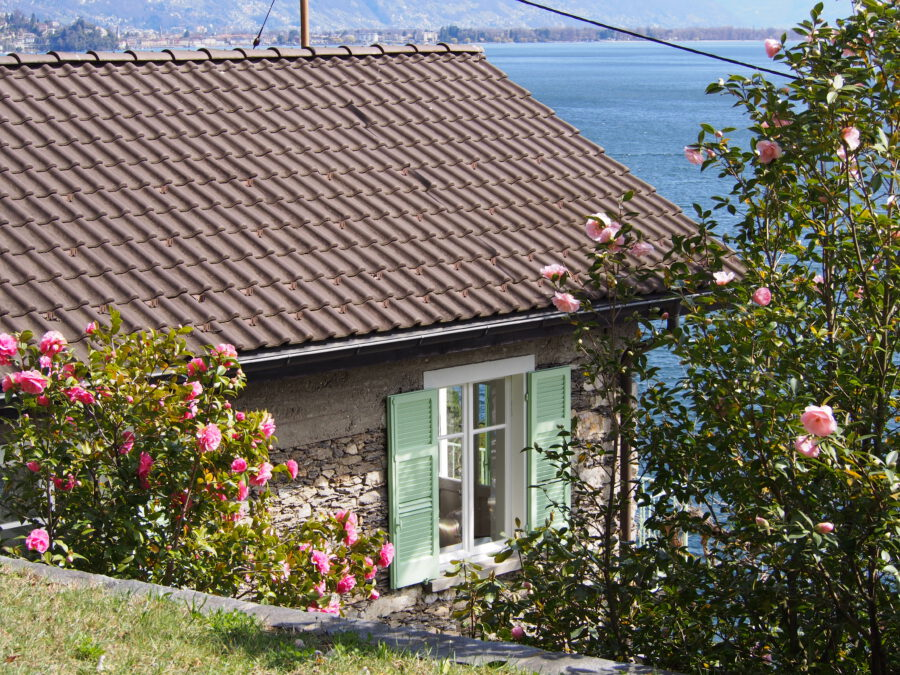 Ferienhaus am See mit Garten und eigenem Strand